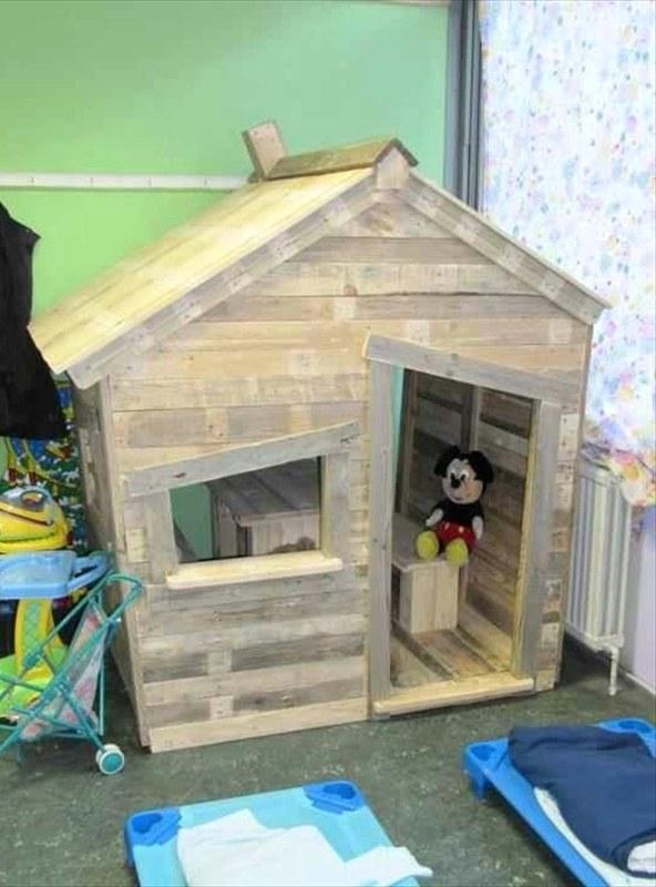 Как сделать детский домик из паллетов