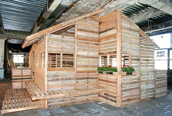 Pallet House Plans: Shelter for Homeless дом Приют для бездомных из поддонов