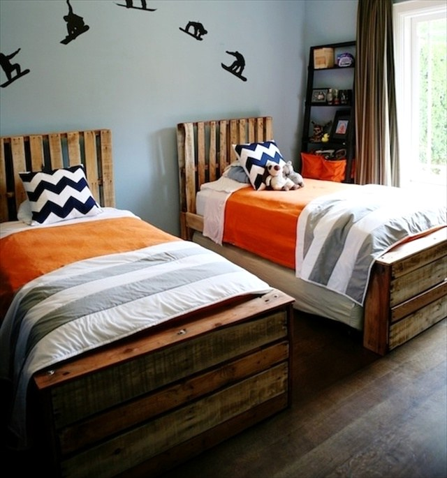 Wooden Pallet Platform Bed for New Bedroom