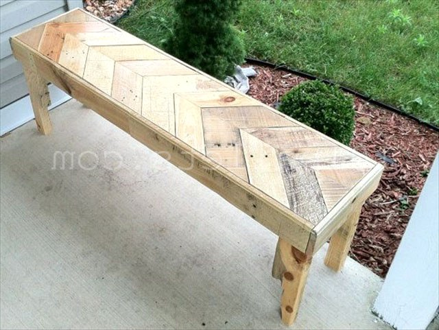Inexpensive Benches Made of Pallets Недорогие скамейки из поддонов