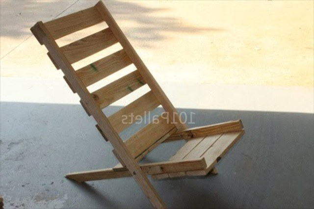 Стул своими руками Chair is made up of the pallet