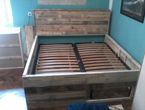 Pallet Bed Tutorial – Built-in Drawers under The Bed
