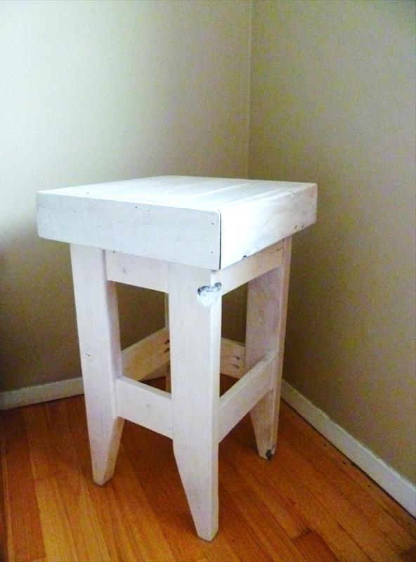 DIY Pallet Night Stand in White Color Тумбочка из поддонов