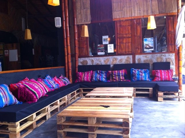 Новая мебель для бара из поддонов