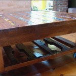 Журнальный столик из поддонов с мозаикой