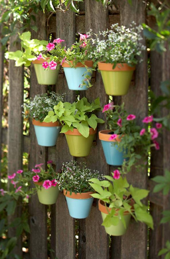 Вертикальный сад из паллет