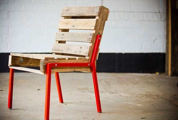 Идеальный стул из поддонов