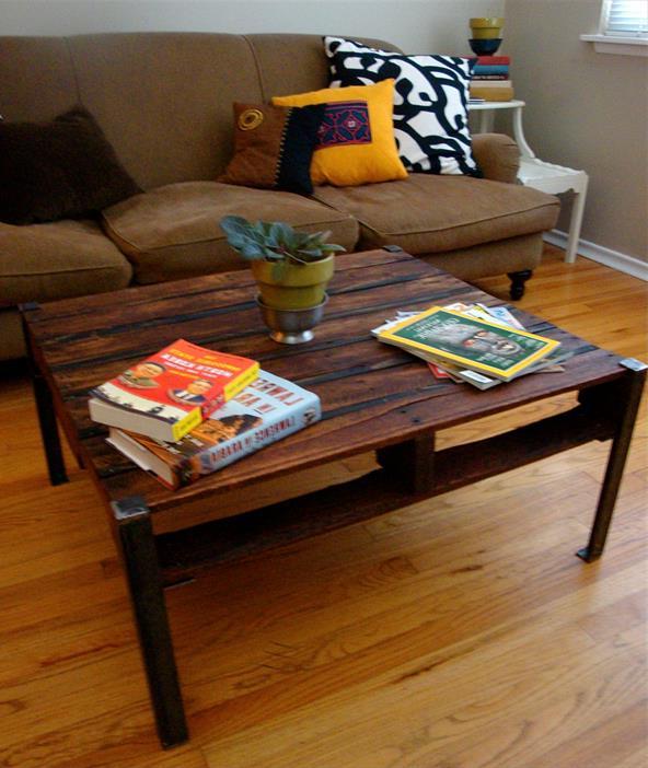 столик из поддона и металического уголка