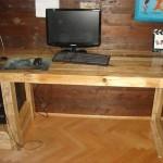 Компьютерный стол из поддонов