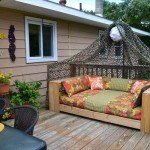 6 идей как сделать оригинальный диван из поддонов
