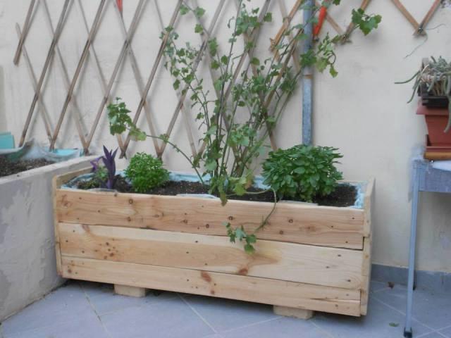 Ящик для цветов из поддона Мебель из поддонов