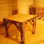 Обеденный стол из поддонов