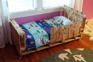 Пять вариантов детских кроватей из паллет