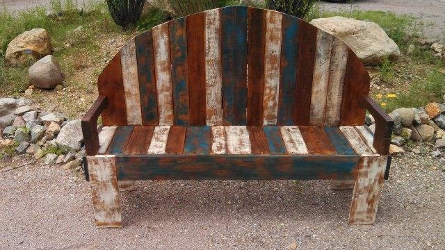 Скамейка из паллет