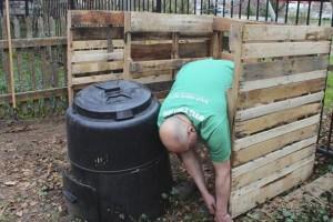 Ящик для компоста из поддонов